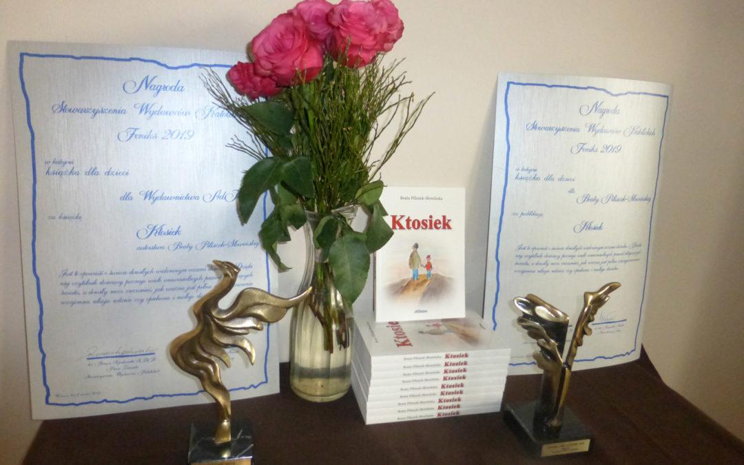 Książka KTOSIEK z nagrodą Feniksa